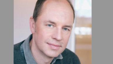 Foto Porträt Dr. Jan Oliver Schönfeldt, Facharzt Kinderneurologie